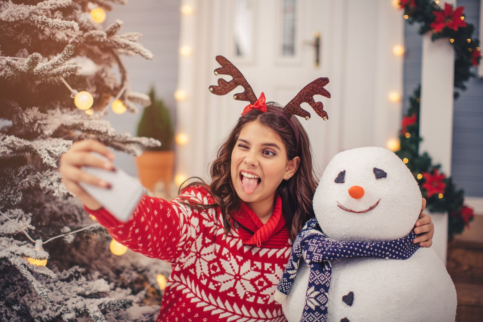 These Clever Christmas Captions Will Help You Sleigh the ...