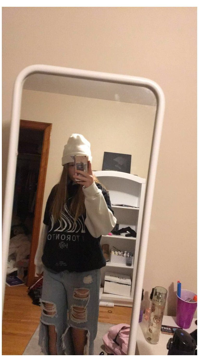 Hoodie Girl Style Tshirt Over Hoodie Ripped Jeans Beanie Outfit Skater Girl Style Skater Aesthetic Skater Girl Style Beanie Outfit Skater Outfits