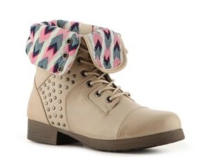 Very cute combat boots❤