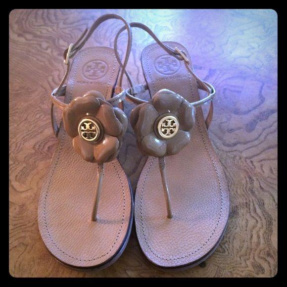 4f5ffc237eca6a Tory Burch Wedge Sandals