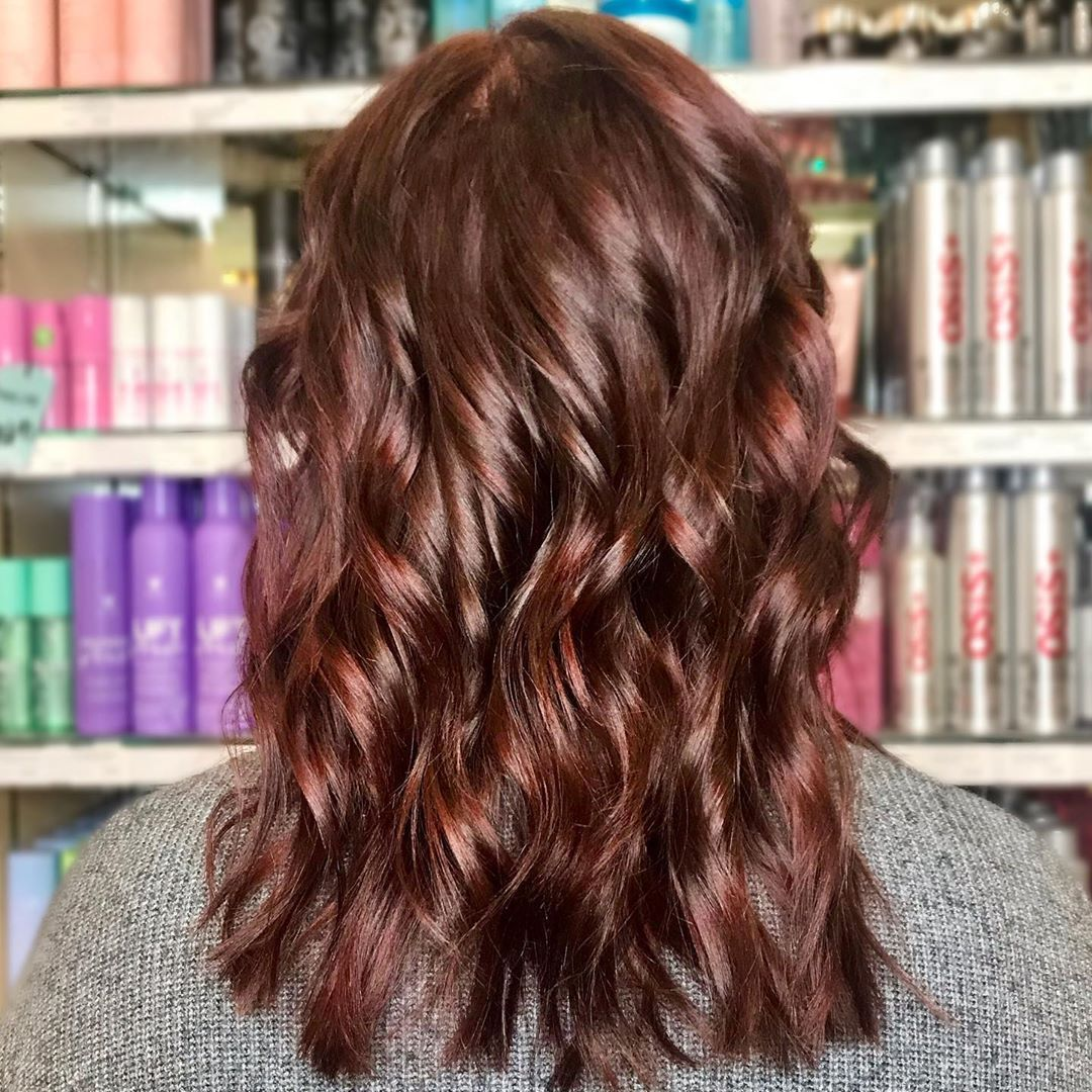50 Mahogany Hair Color Ideas With Various Shades Highlights Mahogany Hair Hair Color Mahogany Hair Colour For Green Eyes