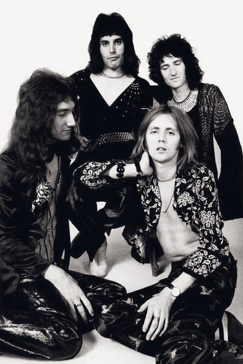Seriously Deaky, could you stare any harder?