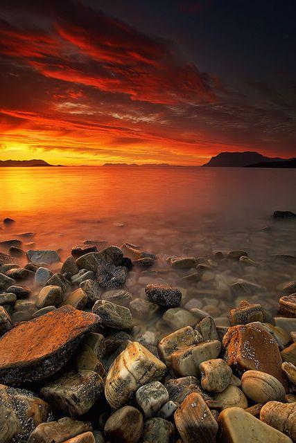 Late Night Light Explored July 30 Beautiful Nature Amazing Sunsets Beautiful Landscapes