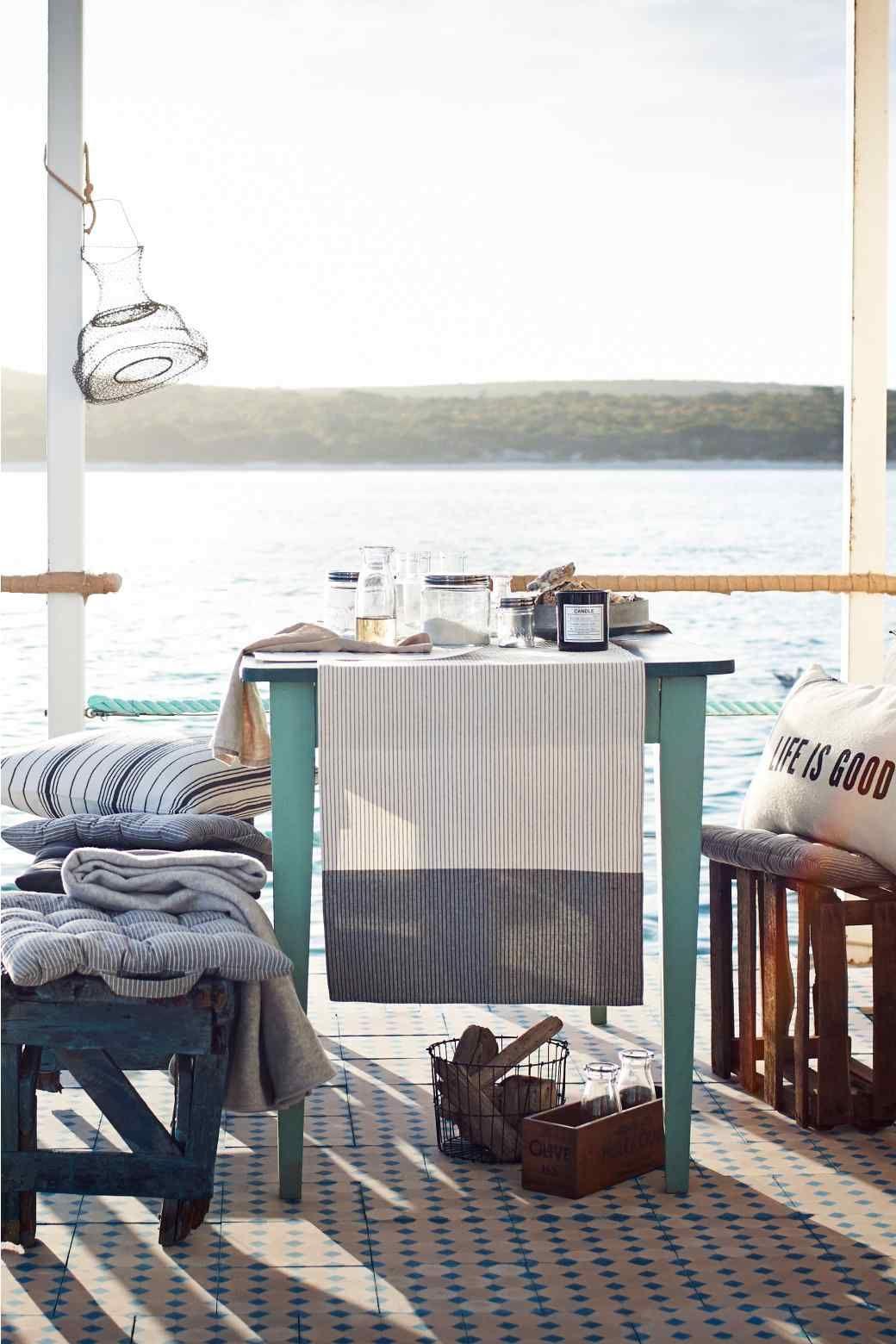Galette de chaise ray e home interior pinterest - Housse galette de chaise ...