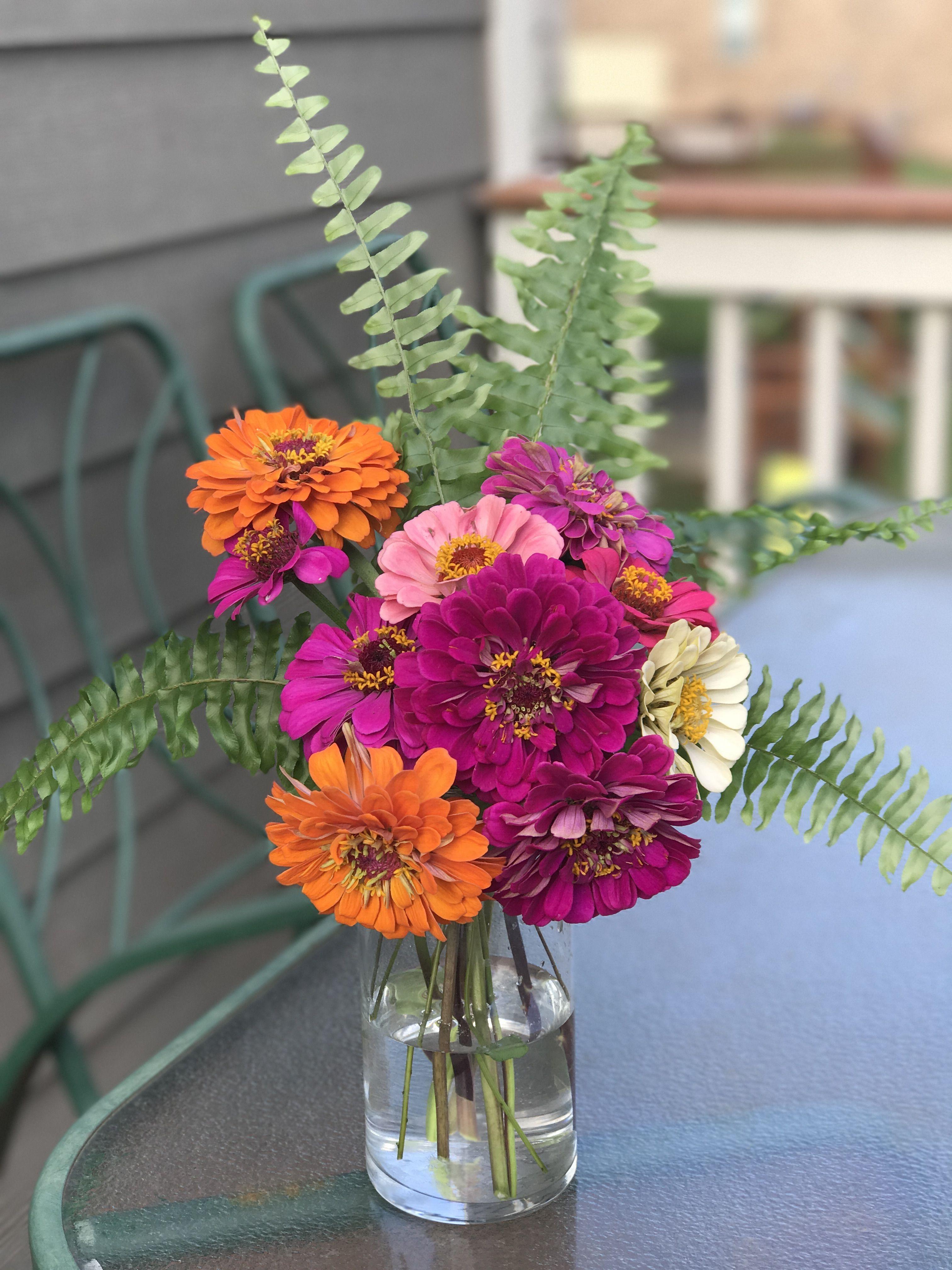 Zinnia Floral Arrangement Flower Vases Flower Arrangements Tulips Flowers