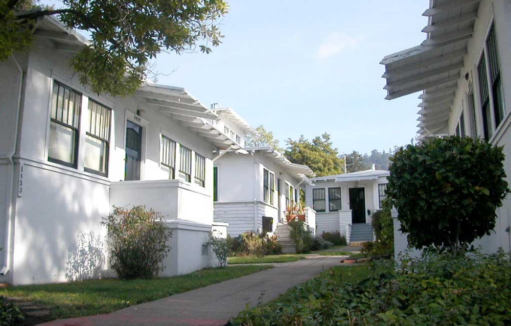Missing Middle Housing Retail Google Search Courtyard House Cottages And Bungalows Apartment Style Condo