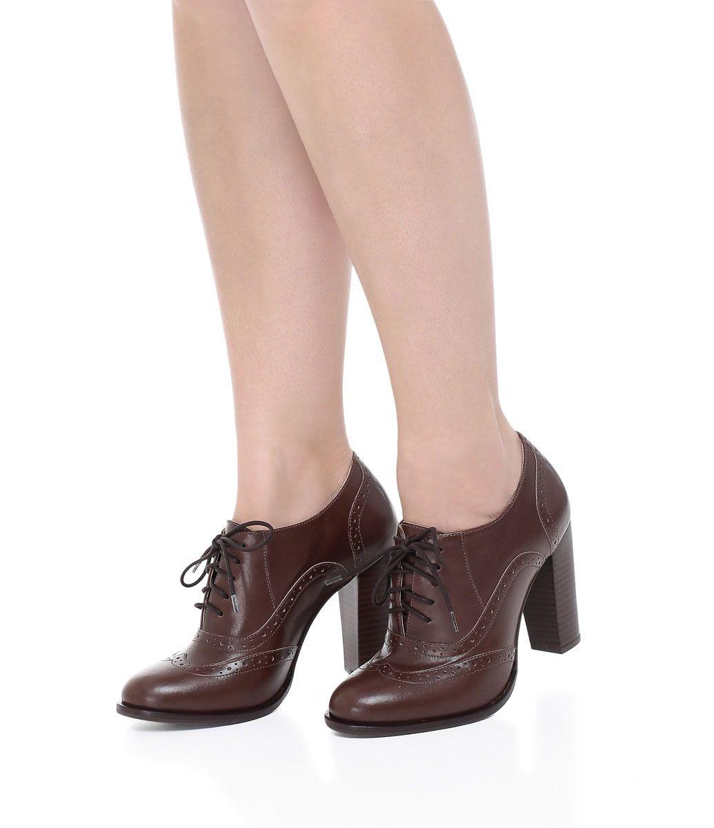 7e228cfefb3b0 Sapato feminino Material  couro Oxford Marca  Satinato Com cadarço Veja  mais opções de sapato