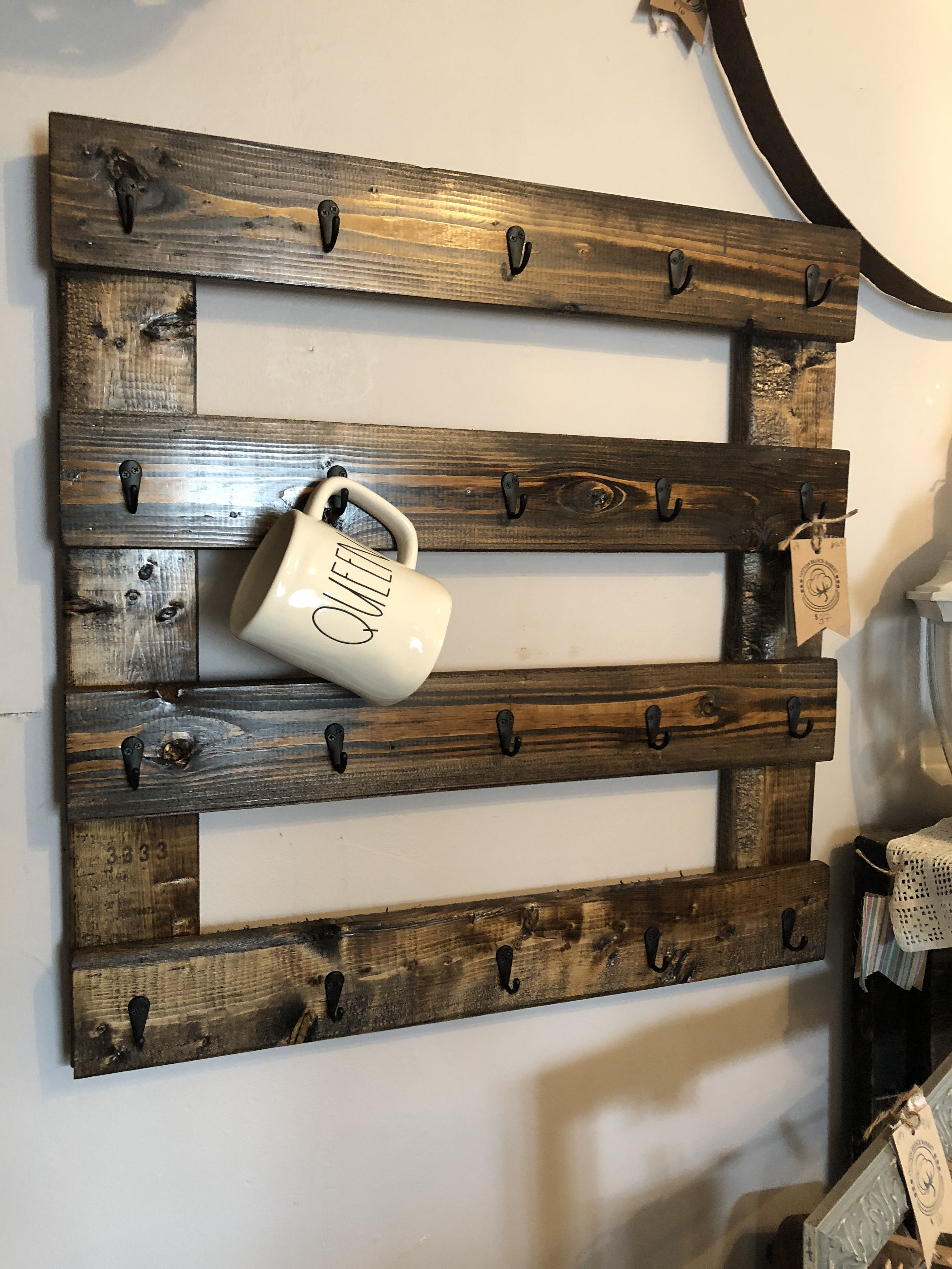 Pallet Coffee Mug Holder Rae Dunn Diy Coffee Bar Shop Dunn Diy Diy Coffee Bar Coffee Cups Diy