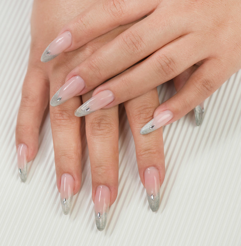 Stiletto #Nails mit #Strassstein #naildesign #nageldesign #nails ...