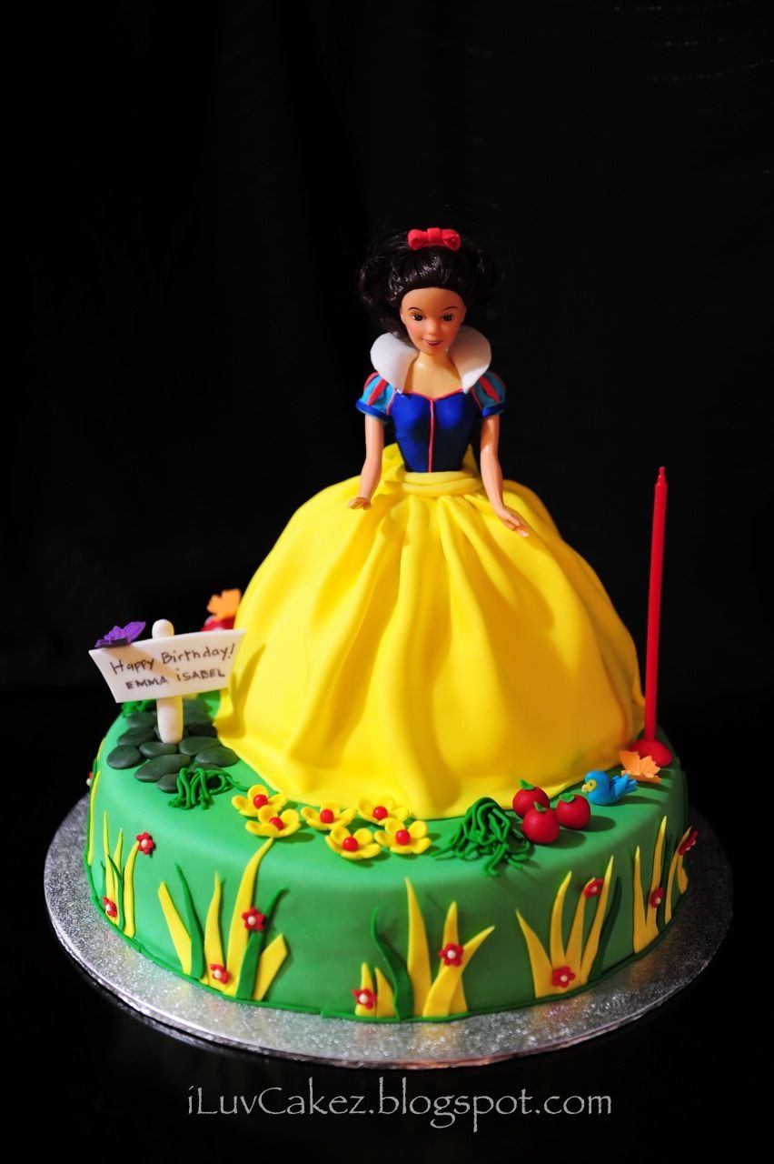Tremendous Iluv Cakez Snow White Doll Cake Emma Isabels 1St Birthday With Funny Birthday Cards Online Alyptdamsfinfo