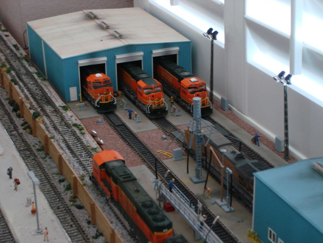 Cr1437093274g 921403 pixels model diesel shops pinterest jpg 921403 pixels model diesel shops pinterest diesel and model train fandeluxe Choice Image