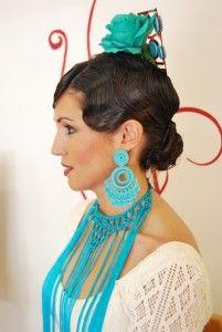 Flor de flamenca con pelo corto