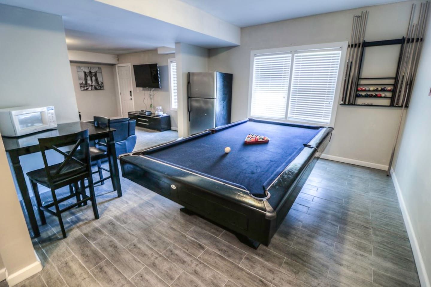 Private Entry Basement Close to Airport/Downtown!! - Guest ...
