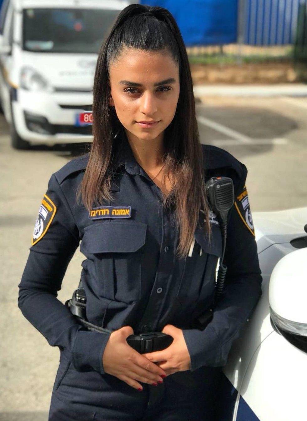 Полицейские красотки