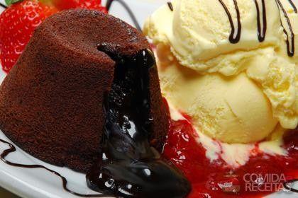 Receita de Petit gateau au chocolat em receitas de bolos, veja essa e outras receitas aqui!