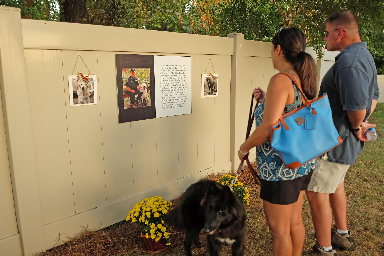 Pet Cremation Onsite Pet Crematory Full Service 24 Hour Assist Pet Cremation Pet Memorials Losing A Pet