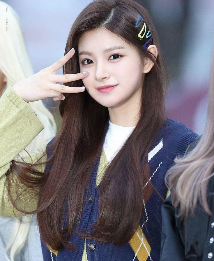 Where Stories Live Medium Hair Styles Korean Beauty Hair Styles