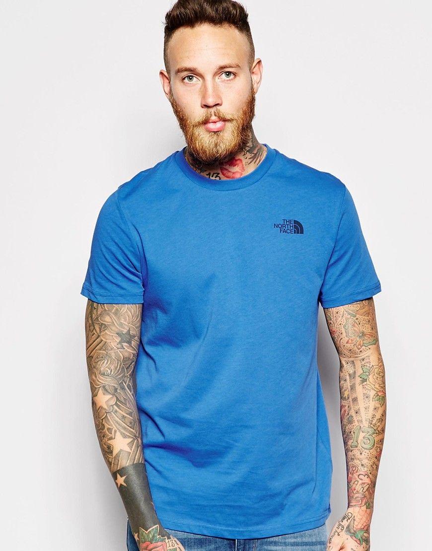 T-Shirt von The North Face weiches Jersey Rundhalsausschnitt mit Logoaufdruck reguläre Passform - entspricht den Größenangaben Maschinenwäsche 100% Baumwolle Model trägt Größe M und ist 191 cm/6 Fuß 3 Zoll groß