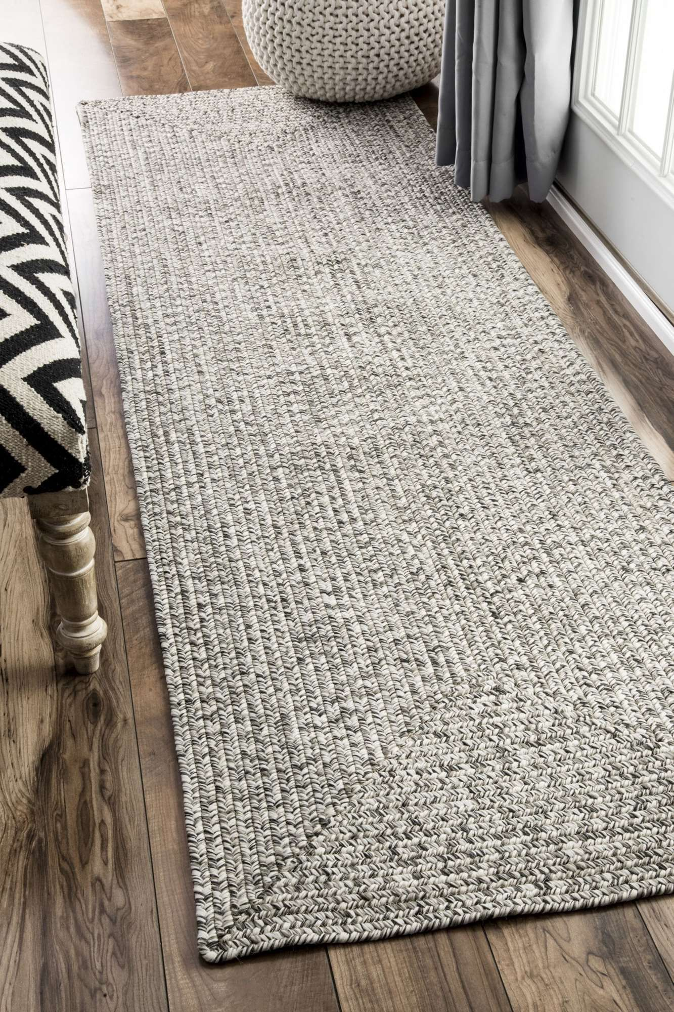 Rugs Usa Area Rugs In Many Styles Including Contemporary Braided Outdoor And Flokati Shag Rugs Buy Rugs At Americas Home Decorating Superstorearea Rugs