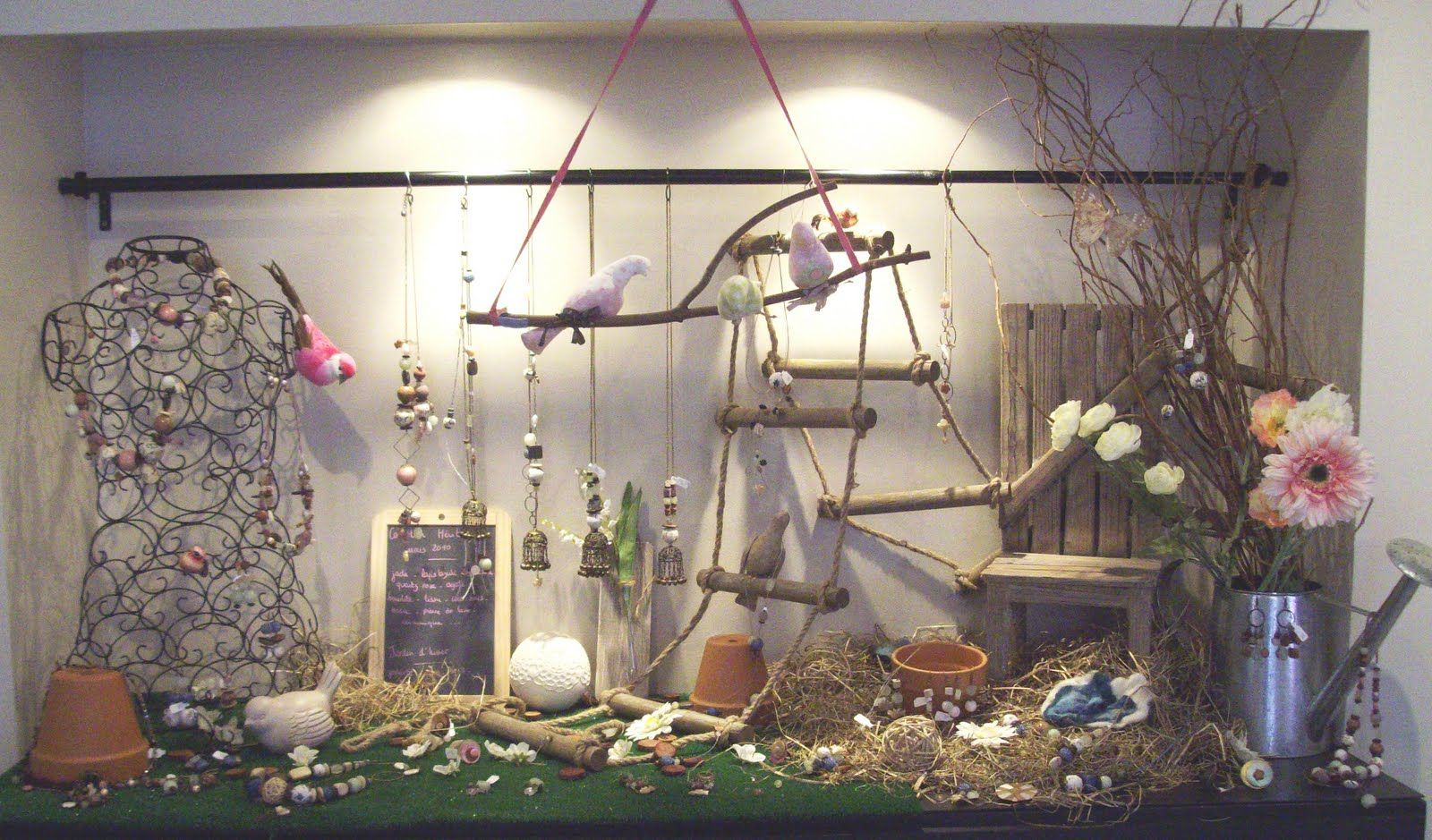 Decoration De Noel Vitrine Magasin Avec Branchage