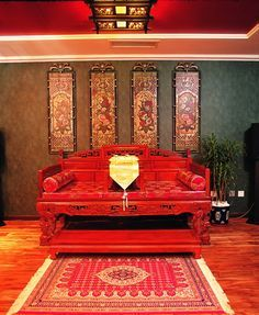 Bright vivid colors are used in oriental style decorating with red