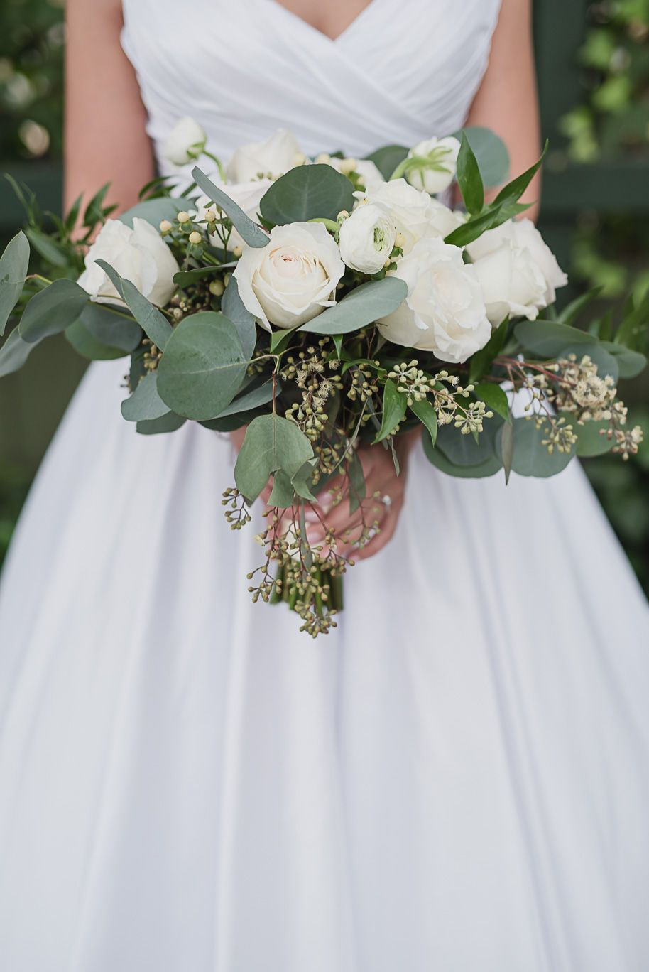 Michigan Winter Wedding At Planterra Conservatory White Roses
