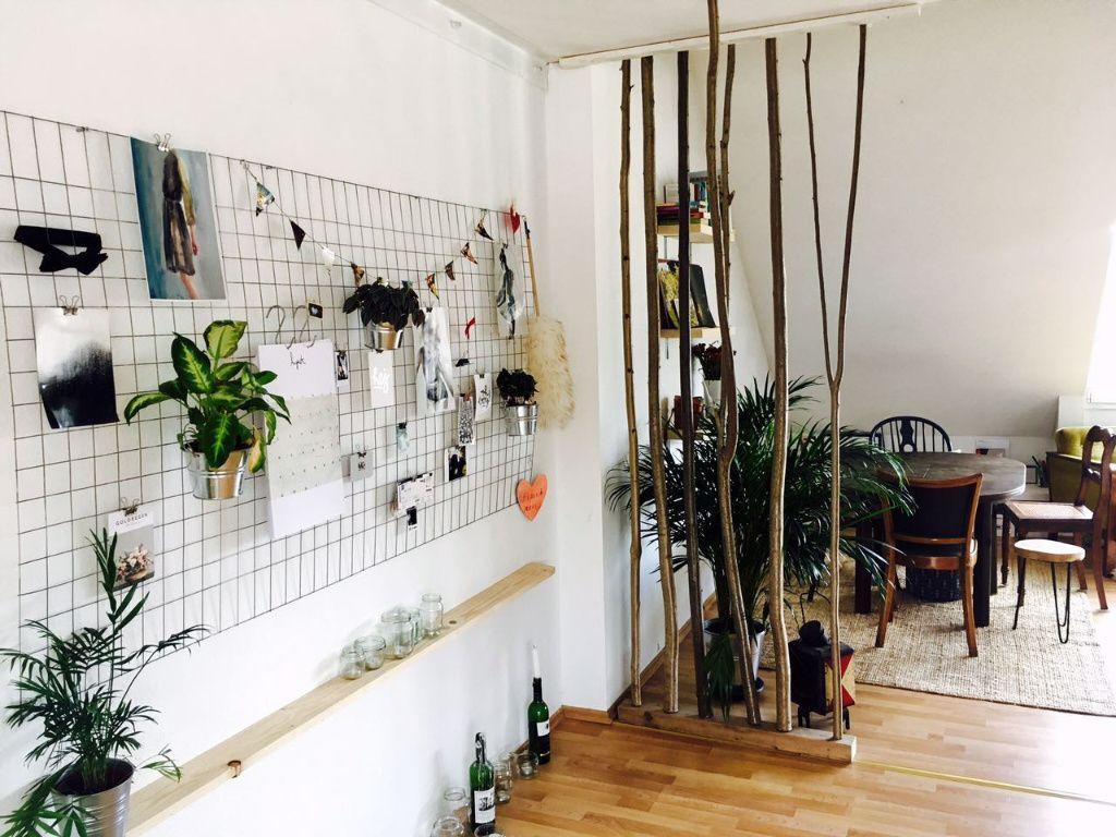 Lichtdurchflutetes Zimmer mit DIY-Raumteiler. #Zimmer #Einrichtung ...