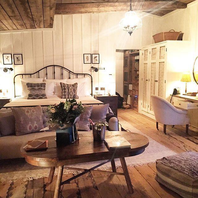 J U L I E T A N G U S On Instagram Arrived At Our Cozy Little Cabin For The Night Gregorangus Sohofarmhouse Home Home Decor Home Bedroom