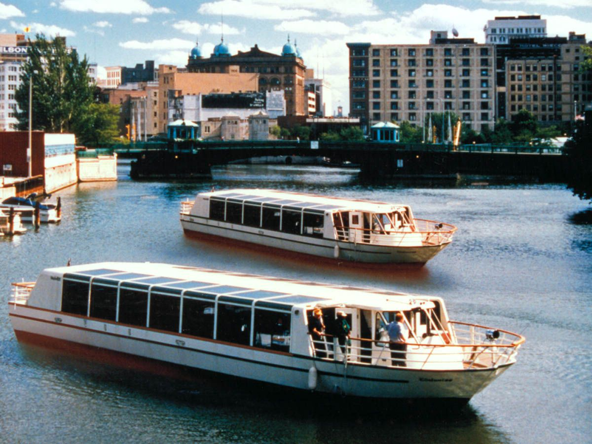 Gay Areas To Cruise In Milwaukee - Gay-8240