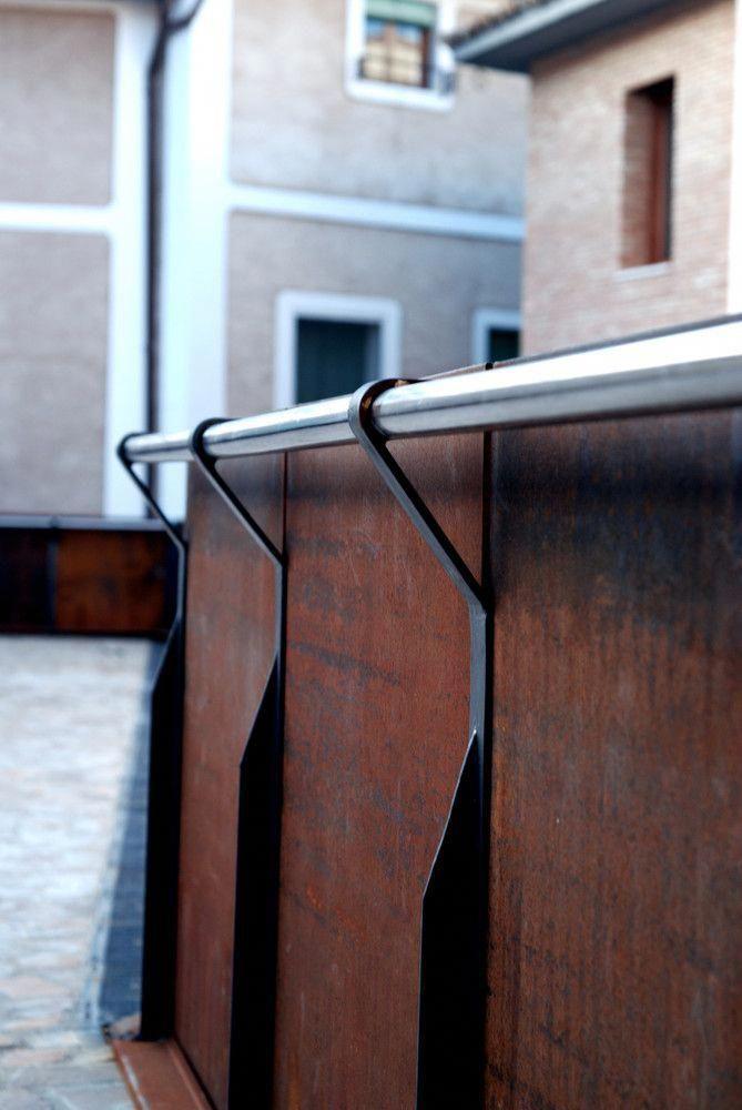 Interiorjeeprenegade Interiordesignwebsites Handrail Design Metal Interior Design Staircase Design