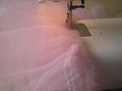 NÃO COSTURO POR ENCOMENDA. Fiz essas saias apenas por amizade à minha amiga, ok?   Não sou costureira, dou aulas de costuras para quem p...
