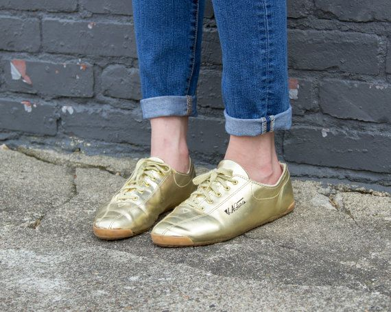 Vintage gold sneakers 7.5 / gold shoes