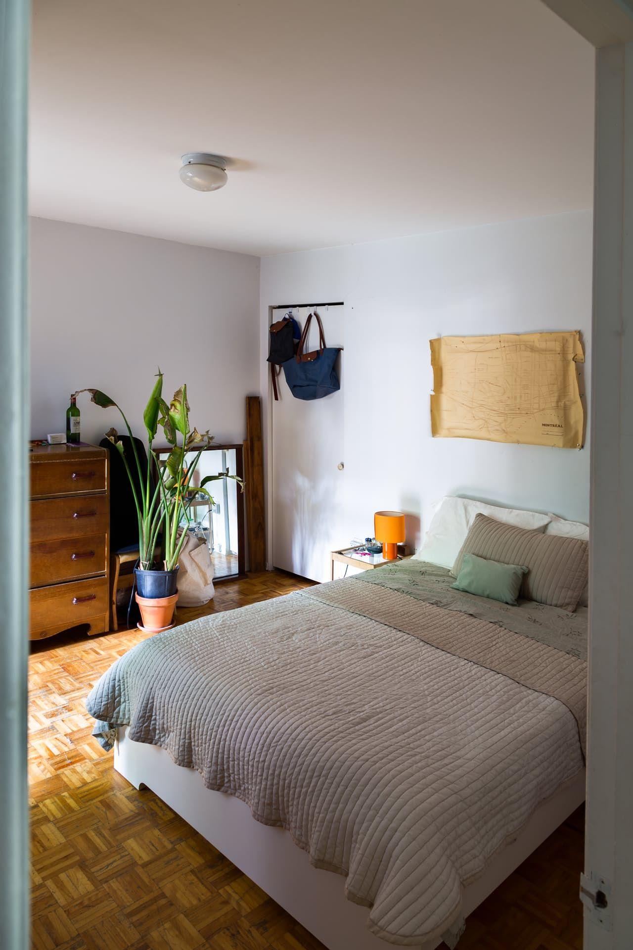 A Quiet, Quirky Gem of an Apartment in Montréal's Mile End ...