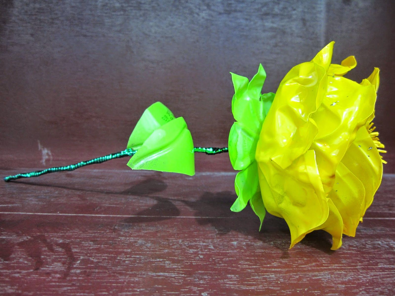Hunting Crafter Bunga Mawar Dari Botol Aqua Bekas Mawar