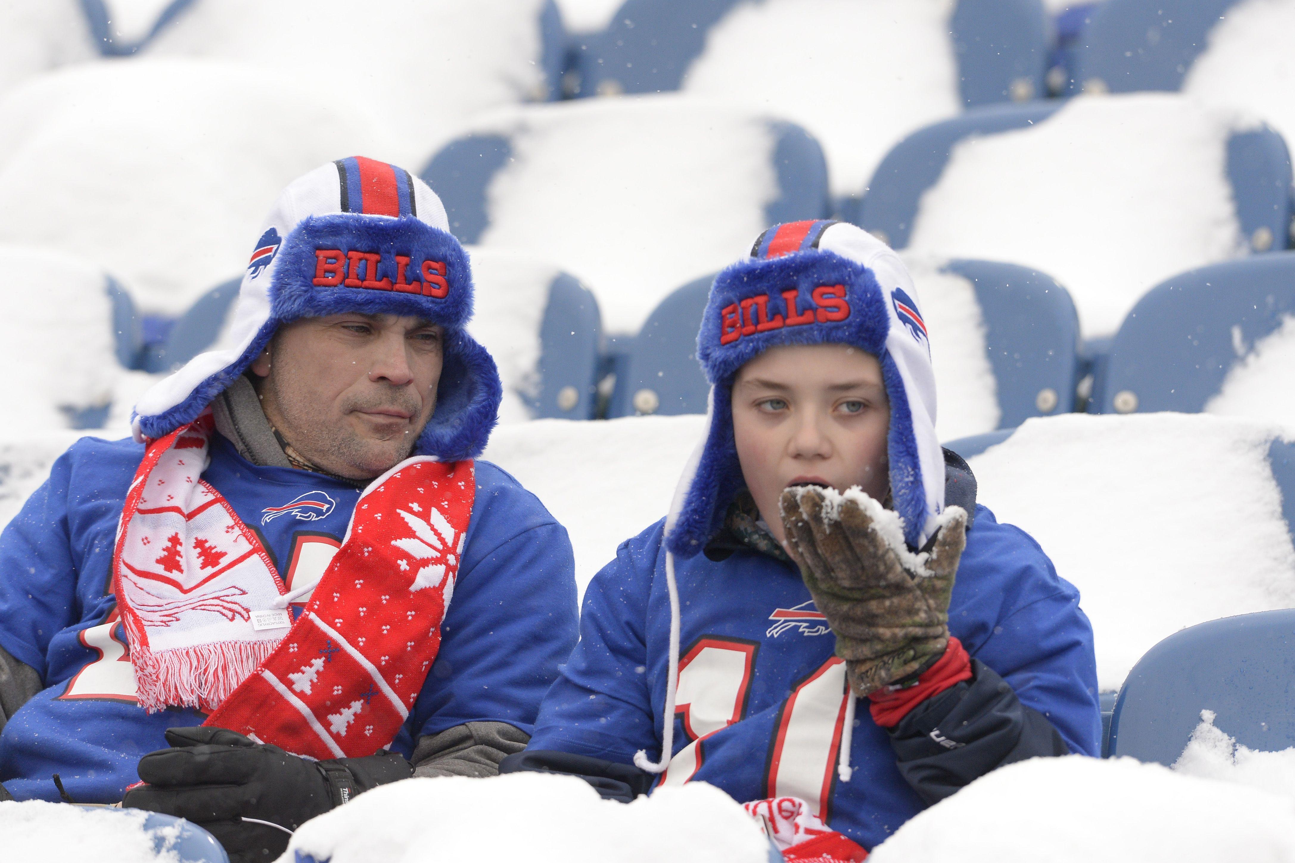 Snow Ain T No Thing For A Bills Fan In Week 14 Ap Kraus Nfl Football Games New York Giants Buffalo Bills