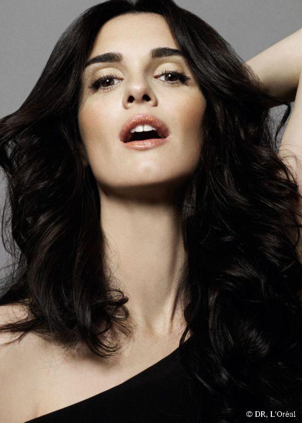 stunning spanish actress paz vega has some secrets. Black Bedroom Furniture Sets. Home Design Ideas