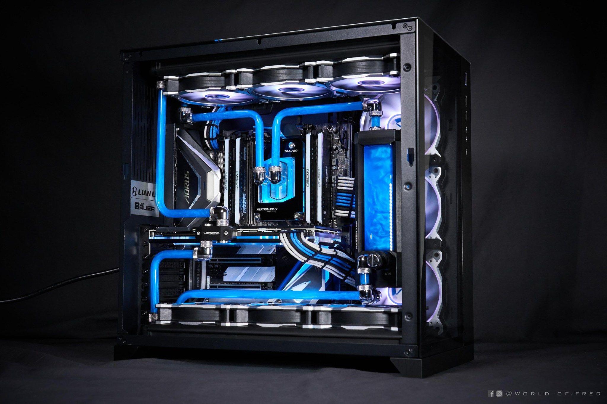 Extreme Gaming Pc Build Is Custom Water Cooled Lian Li 001 Dynamic Rig In 2020 Gaming Computer Setup Gaming Machine Custom Computer