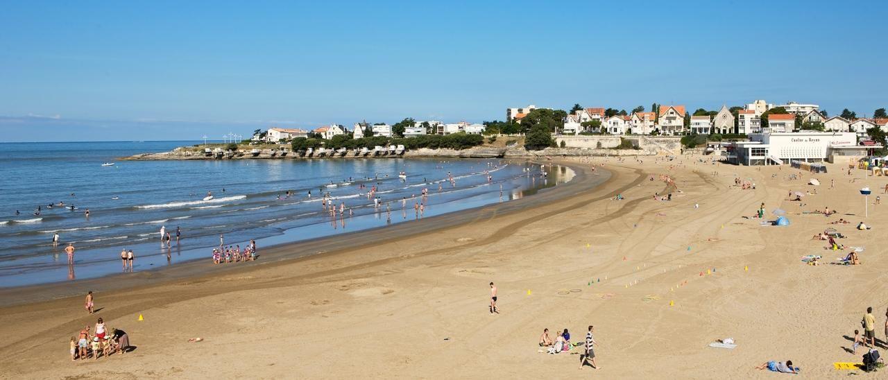 Plage de pontaillac omt royan m chaigneau royan pinterest royan plage et office de - Saint palais sur mer office du tourisme ...