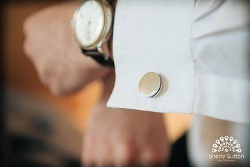 Initial cufflinks for wedding. Cufflink gift for groom. Photo from Julie + Ryan collection by Sherry Sutton Photography. www.sherrysutton.com