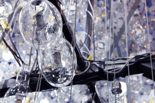 """廢棄藝術:充滿想像的""""燈泡雲""""(組圖) - 藝術收藏頻道 - 國際線上"""
