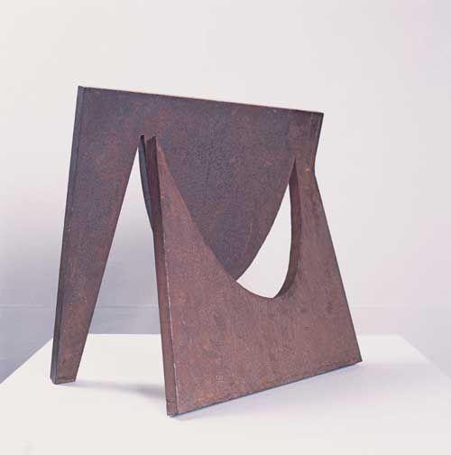 Amilcar de Castro - Sem título c.1960 - ferro - 49 X 48 X 31 cm Coleção Gilberto Chateaubriand MAM RJ