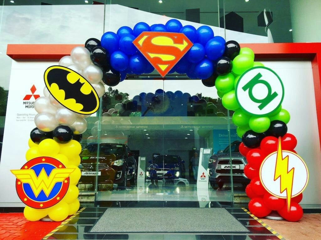 Superhero balloon arch baby superheroes party for Arch decoration supplies