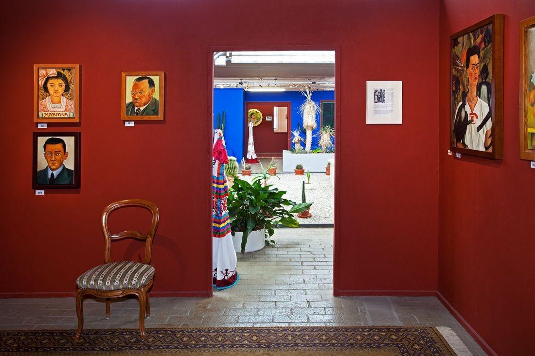 # 4: Frida Kahlo: Self Portrait in a Velvet Dres, 1926 /#400: Cui Tao, Portrait of Frida, 2008 /# 27:Frida Kahlo: Frieda and Diego Rivera, 1931 /# 71: Frida Kahlo: Self Portrait Dedicated...