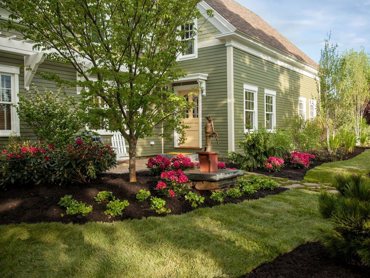 Landscaping ideas for front yard in new england bathroom for New landscaping ideas