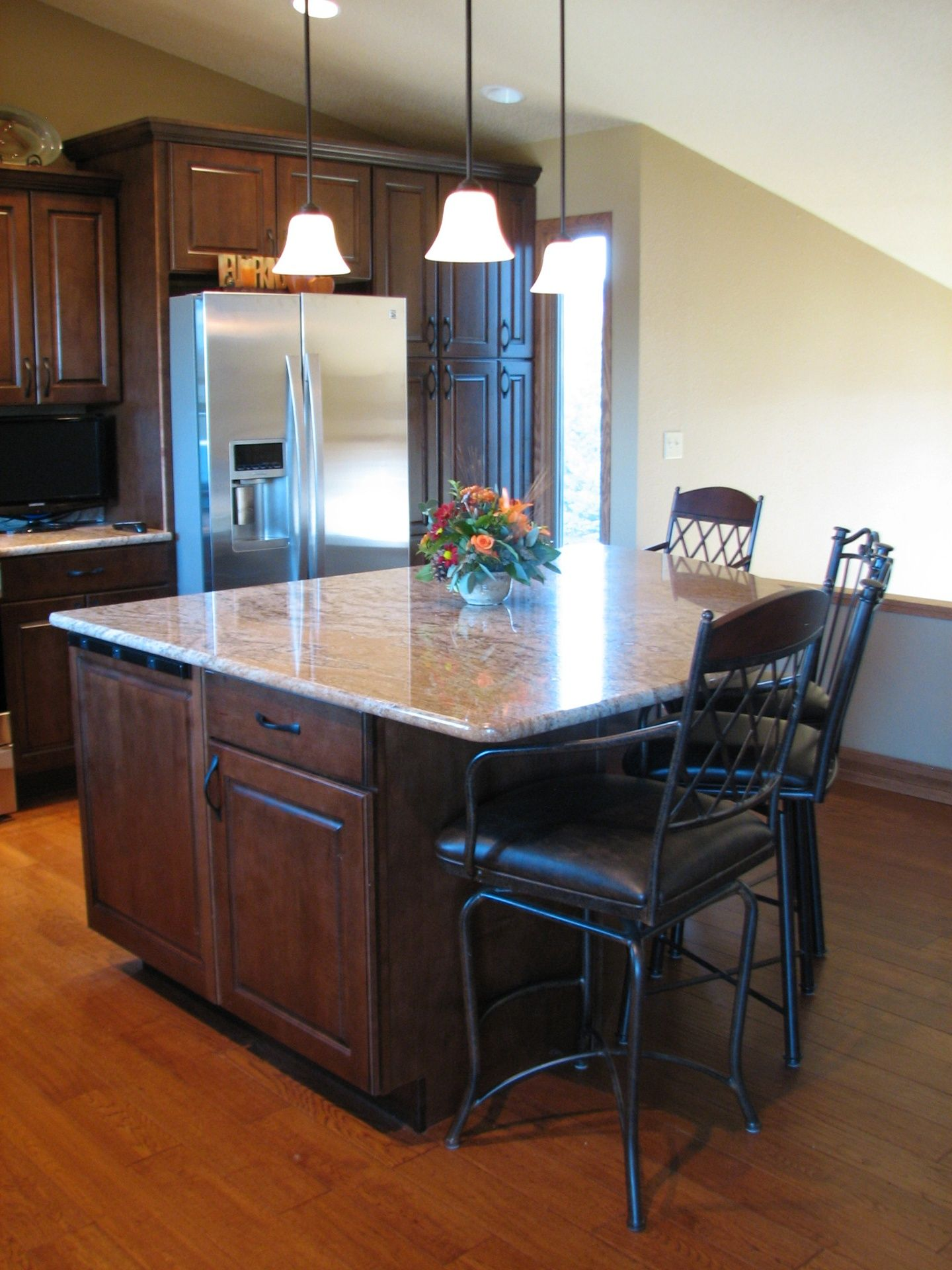 Mid continent cabinetry species maple door style - Mid continent cabinets ...