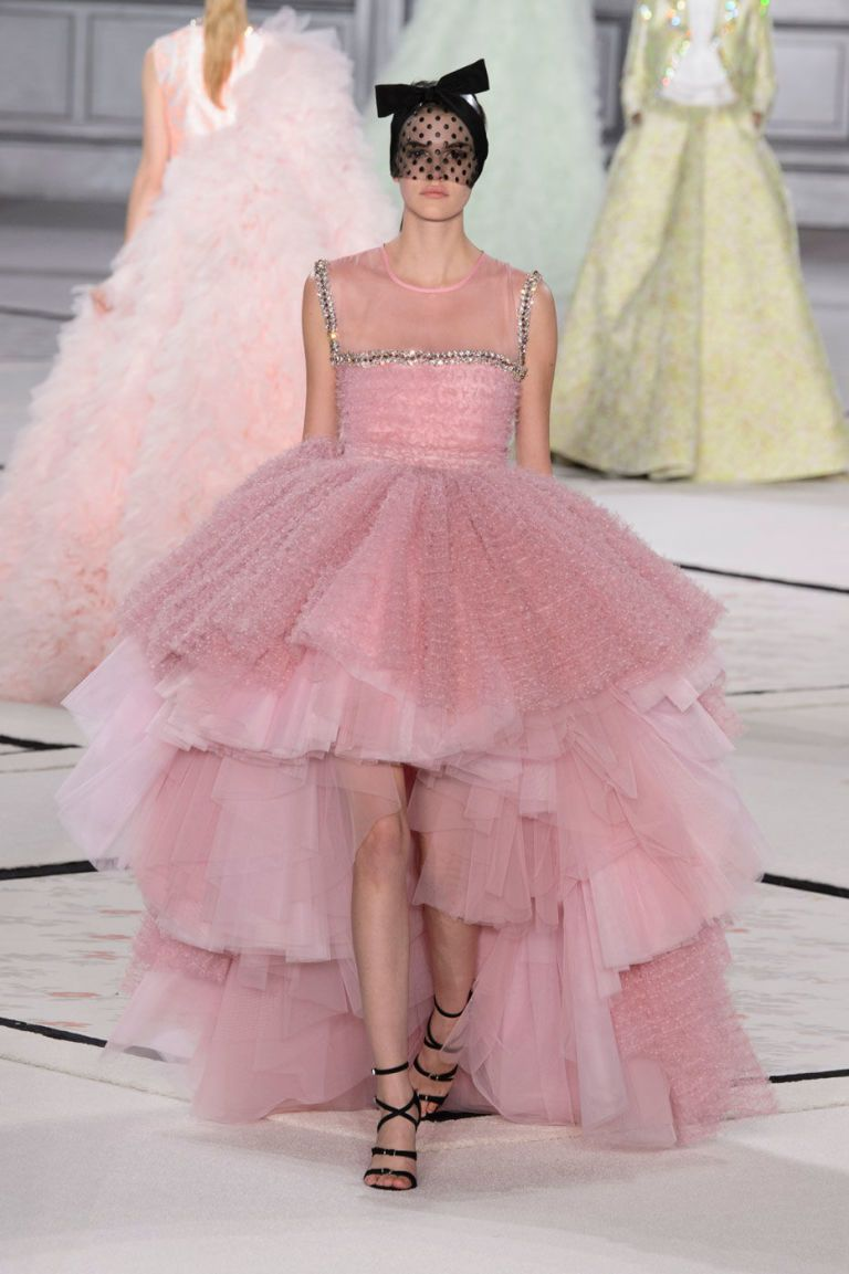 The 10 Dreamiest Dresses from Couture Week   Coco chanel, Parisians ...