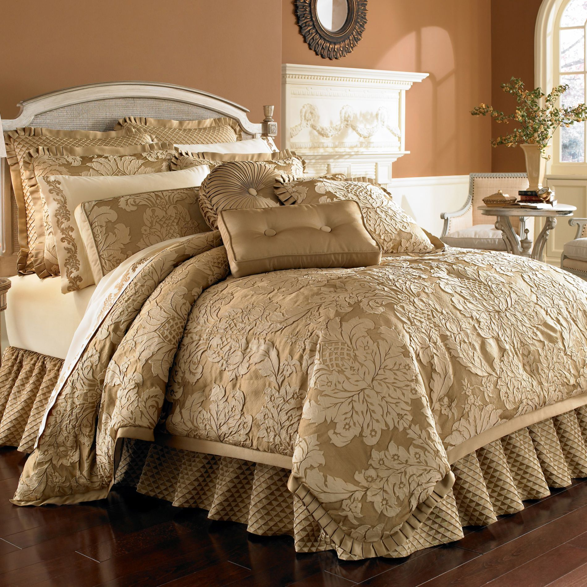 J. Queen New York® Contessa Comforter Set