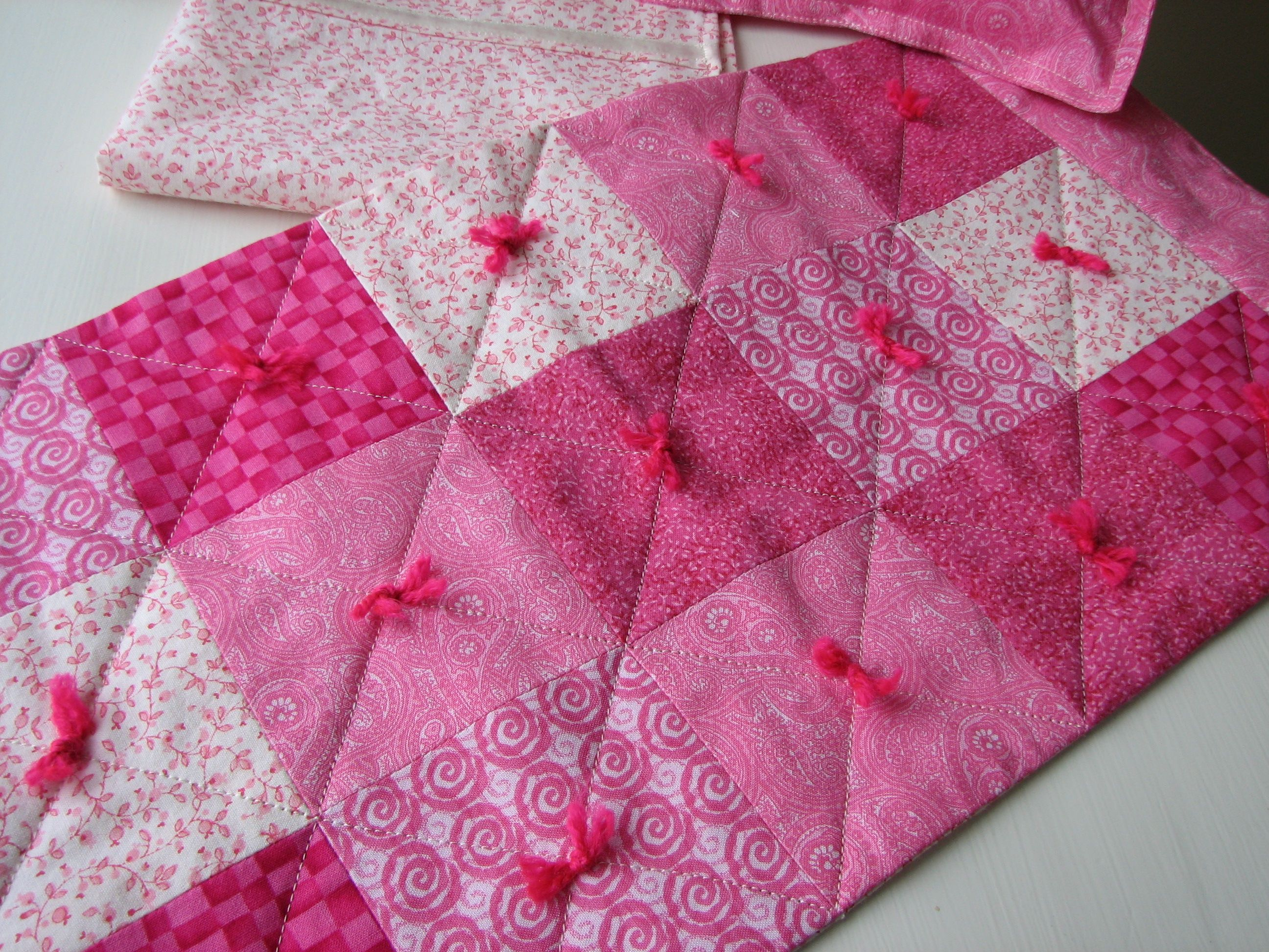 Free baby quilt blanket | Modern baby quilt | needyl | QUILTS ... : how to make quilt squares - Adamdwight.com