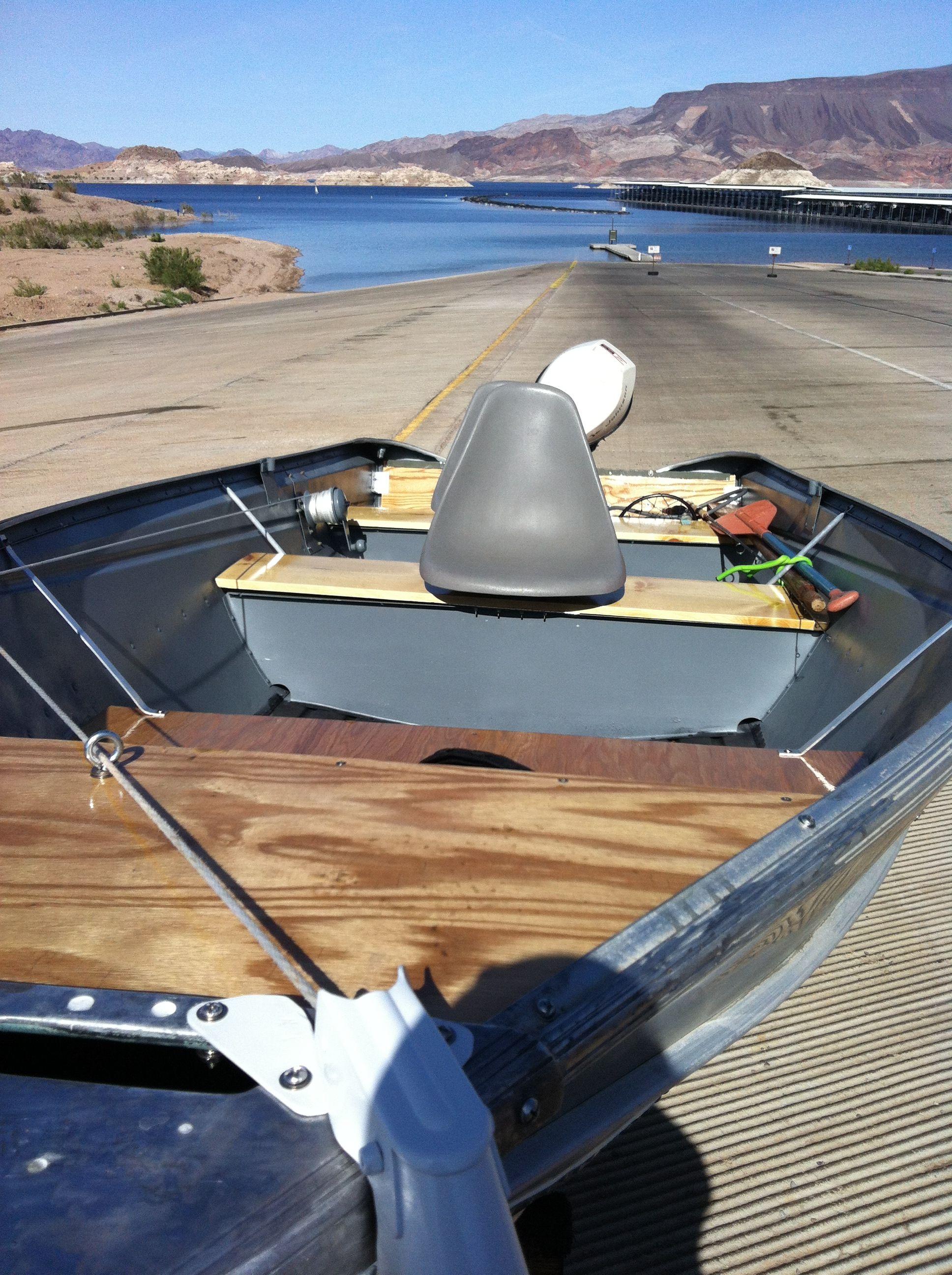 My 70's Valco 14' Aluminum Fishing boat    ripped her apart
