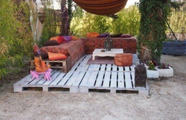 Garten Ideen Mit Podest Und Gartenmöbel Weiß Aus Europaletten